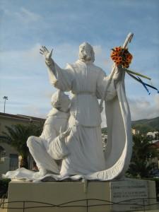 visitare Paola statua san francesco
