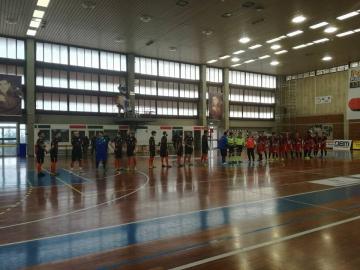 Lamezia Soccer e Città di Cosenza schierate a centrocampo