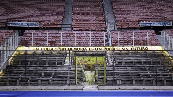 Un popolo senza calcio ma con memoria.