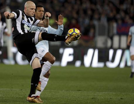 Udinese's Emil Hallfredsson, left, and Lazio's Nani go for the ball during the Serie A soccer match between Lazio and Udinese, at the Rome Olympic stadium Wednesday, Jan. 24, 2018. (ANSA/AP Photo/Gregorio Borgia) [CopyrightNotice: Copyright 2018 The Associated Press. All rights reserved.]