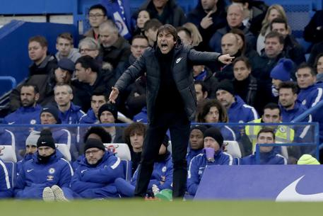 Chelsea head coach Antonio Conte shouts during the English Premier League soccer match between Chelsea and Leicester City at Stamford Bridge stadium in London, Saturday, Jan. 13, 2018. (ANSA/AP Photo/Matt Dunham) [CopyrightNotice: Copyright 2018 The Associated Press. All rights reserved.]