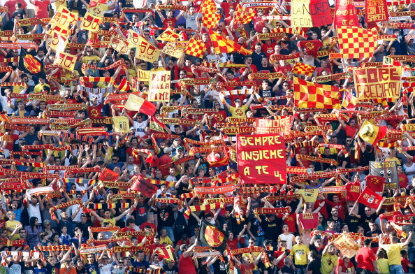LECCE, ITALY - MAY 05:  US Lecce fans during the Serie A match between US Lecce and ACF Fiorentina at Stadio Via del Mare on May 5, 2012 in Lecce, Italy.  (Photo by Maurizio Lagana/Getty Images)