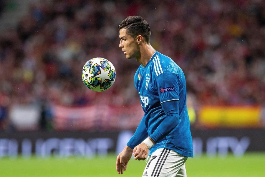epa07851772 Juventus' forward Cristiano Ronaldo in action during the UEFA Champions League group D soccer match between Atletico de Madrid and Juventus at Wanda Metropolitano stadium in Madrid, Spain, 18 September 2019.  EPA/RODRIGO JIMENEZ