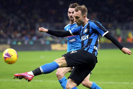 Inter?s Christian Eriksen in action during the Italy Cup semi-final first leg soccer match Inter FC vs SSC Napoli at the Giuseppe Meazza stadium in Milan, Italy, 12 February 2020. ANSA/MATTEO BAZZI