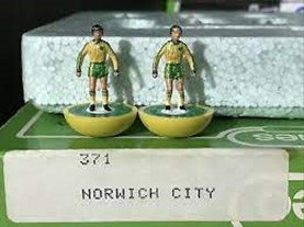 ref 371 LW Norwich City Subbuteo