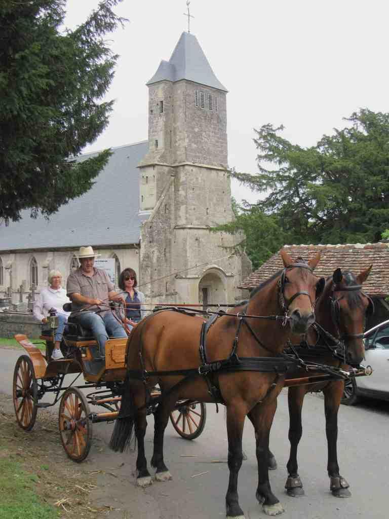 balade calèche deauville église