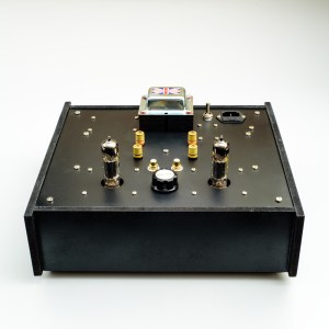 6BM8/ECL82 SE Classique Kit - pictured in a custom-made black chassis with the mounting plate painted black.