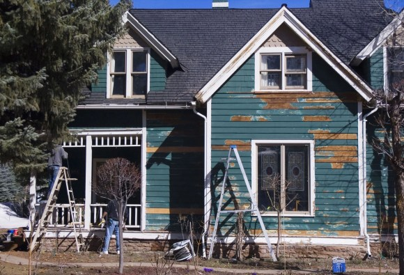 Home-flipping profits, sales get hammered
