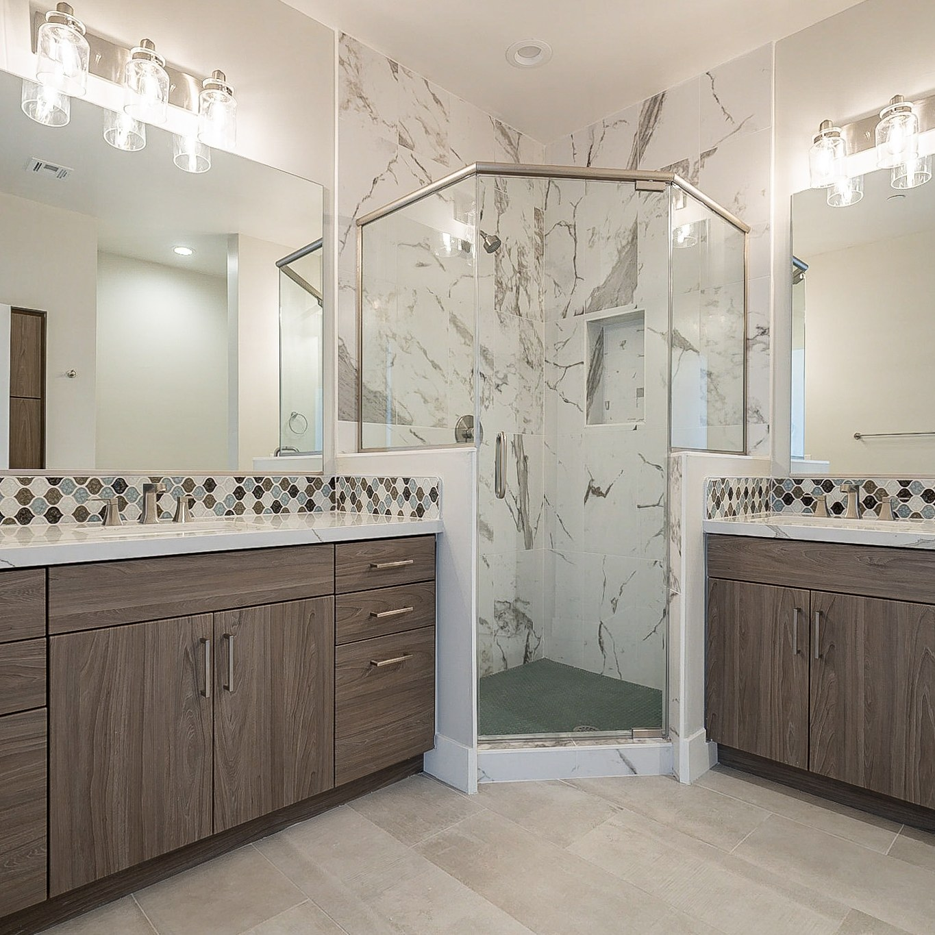 Master bathroom in the new Roosevelt Tempe towhhomes