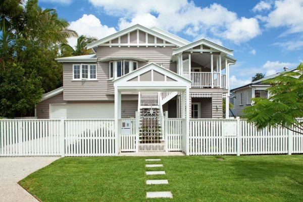 6 Factors to Consider When Buying a House