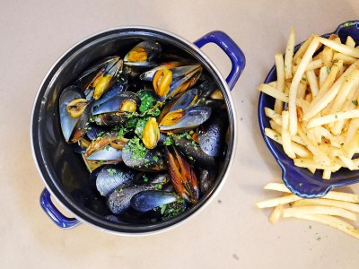 Moules et Frites at Bell's in Los Alamos