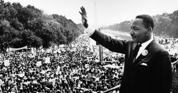 Martin Luther King, Jr. speaks to hundreds of thousands at the Lincoln Memorial