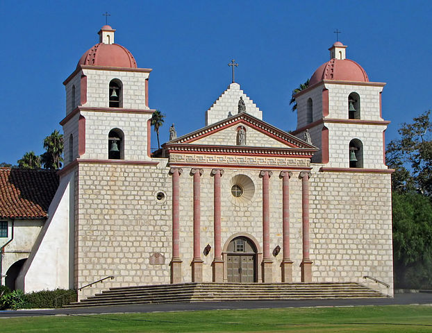 Mission Santa Barbara. By Bernard Gagnon - Own work, CC BY-SA 3.0, https://commons.wikimedia.org/w/index.php?curid=5310419.