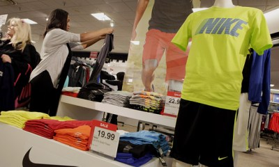 Sales at US retailers drop previous month, reflecting weakness in country's economy
