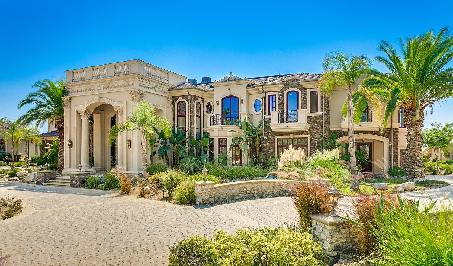 Extraordinary Home Of The Week Ultra Private Bradbury Estates Mansion