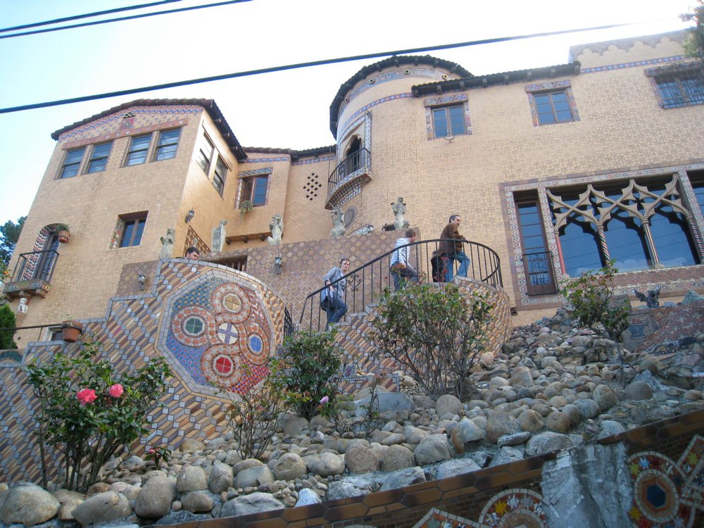 hollywood hills tile house took 40