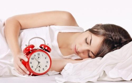 Melatonin este recomandat pentru somn