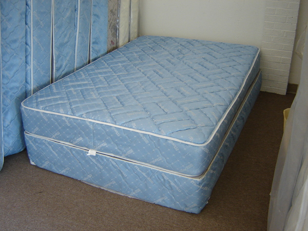 Pre Owned Mattress Set