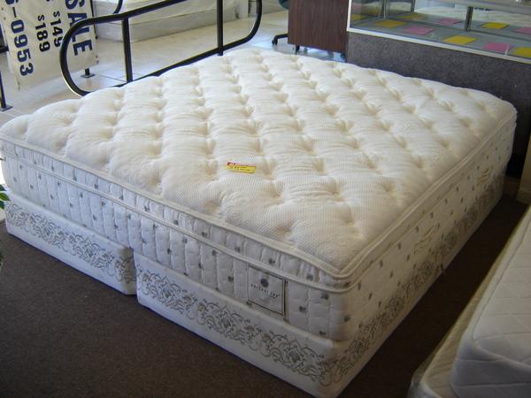 Serta Super Pillow Top Mattress Set