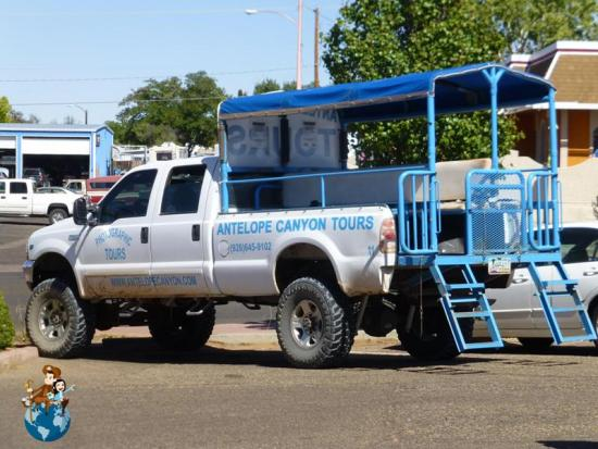 4 x 4 para llegar al Antelope Canyon