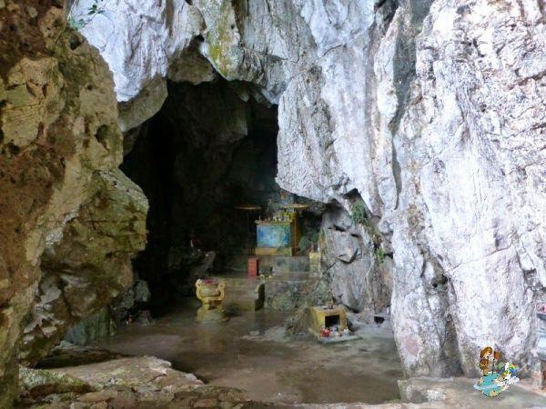 Cueva Linh Nham