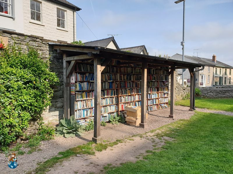Librería patio Castillo Hay-on-Wye