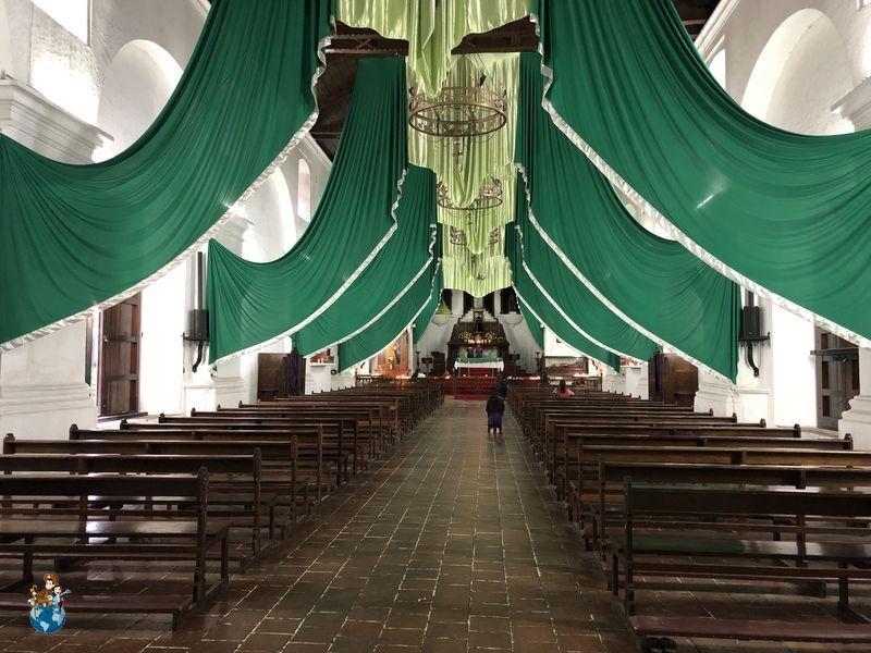 Iglesia colonial de San Francisco de Asís en Panajachel