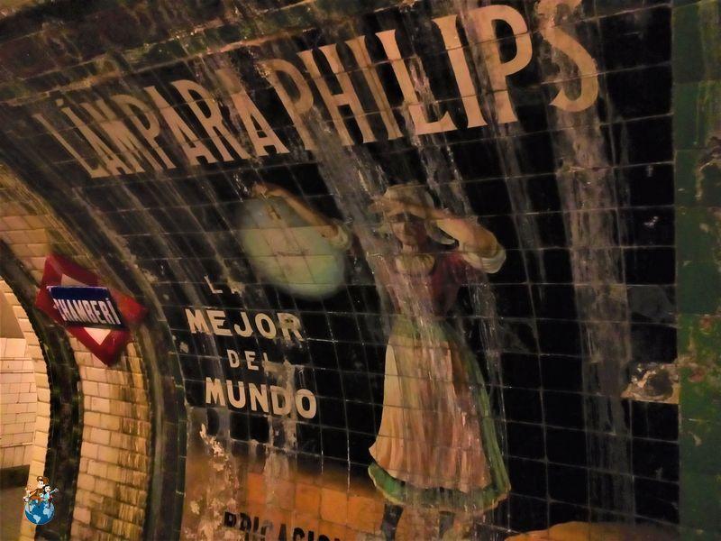 Paneles publicitarios Estación fantasma Chamberí