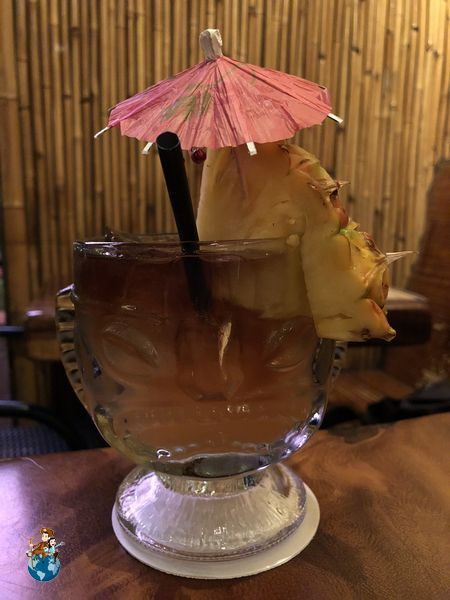 Cóctel Mai Tai en Bar Tiki - Kihei