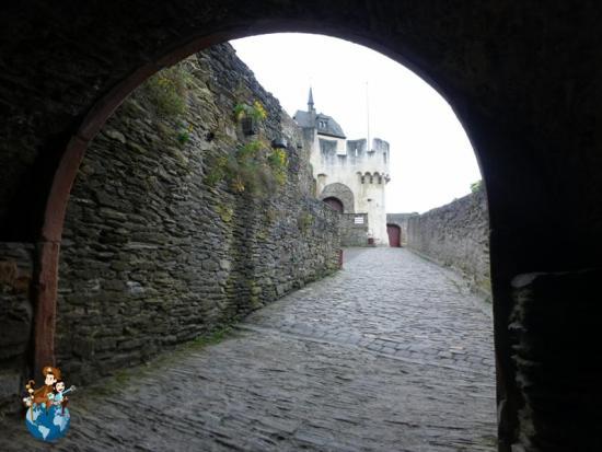 Entrada principal al Castillo de Marksburg - Braubach