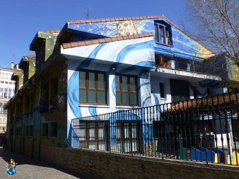 Mural Continentes - Ruta murales Vitoria - Gasteiz