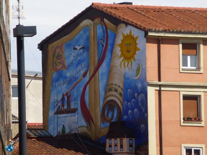 Mural Erase una vez el voluntariado - Ruta murales Vitoria-Gasteiz