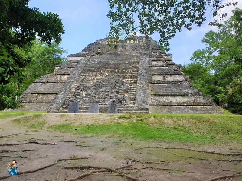 Templo Talud-tablero Mundo Perdido - Tikal