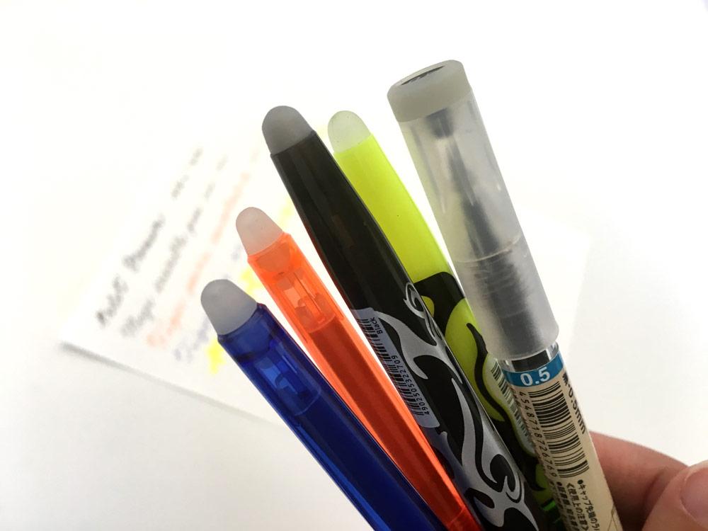 I gommini delle penne cancellabili: da sinistra le due Tiger, Frixion, evidenziatore Frixion e Muji.