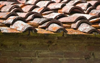 How You Should Deal with Roof Leaks