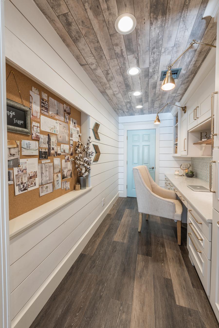 Office Decor Trends
