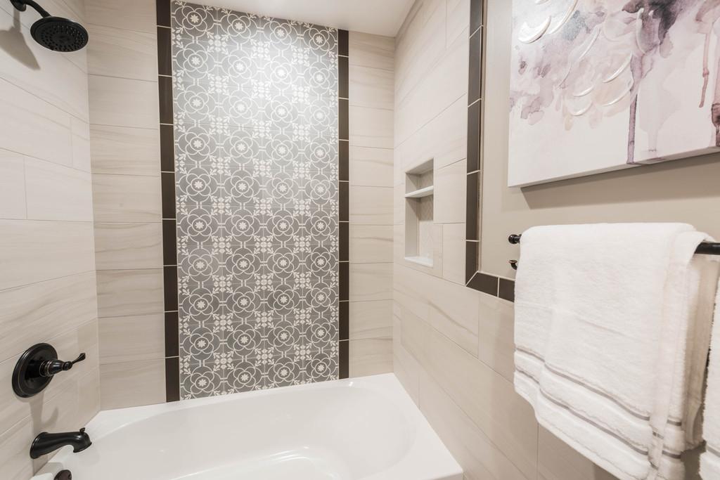 contemporary craftsman guest bathroom