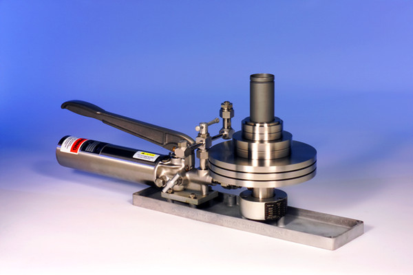 AMETEK T Hydraulic Comparator Pump with weights
