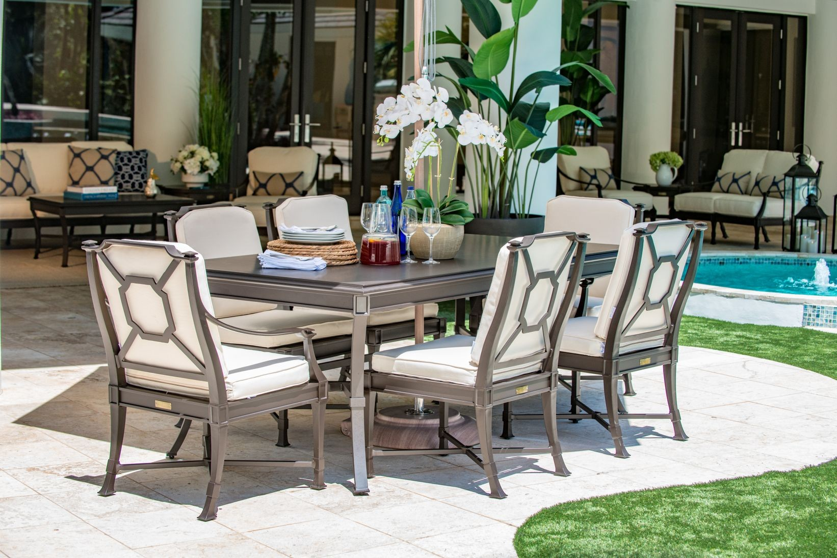 Carl's Outdoor Furniture