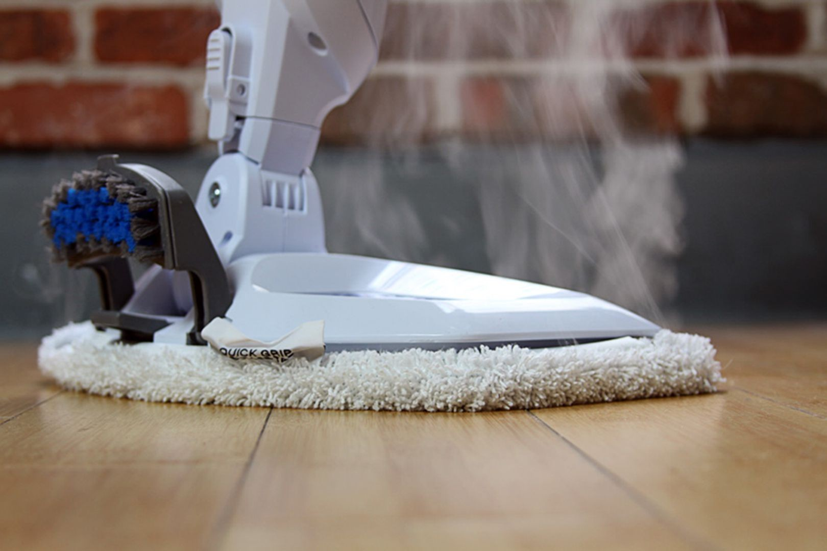 Cleaning Vinyl Floors Using Steam Cleaners