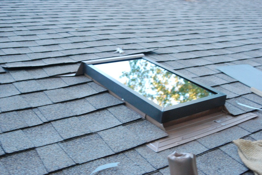 Deck Mounted Vs Curb Mounted Skylights