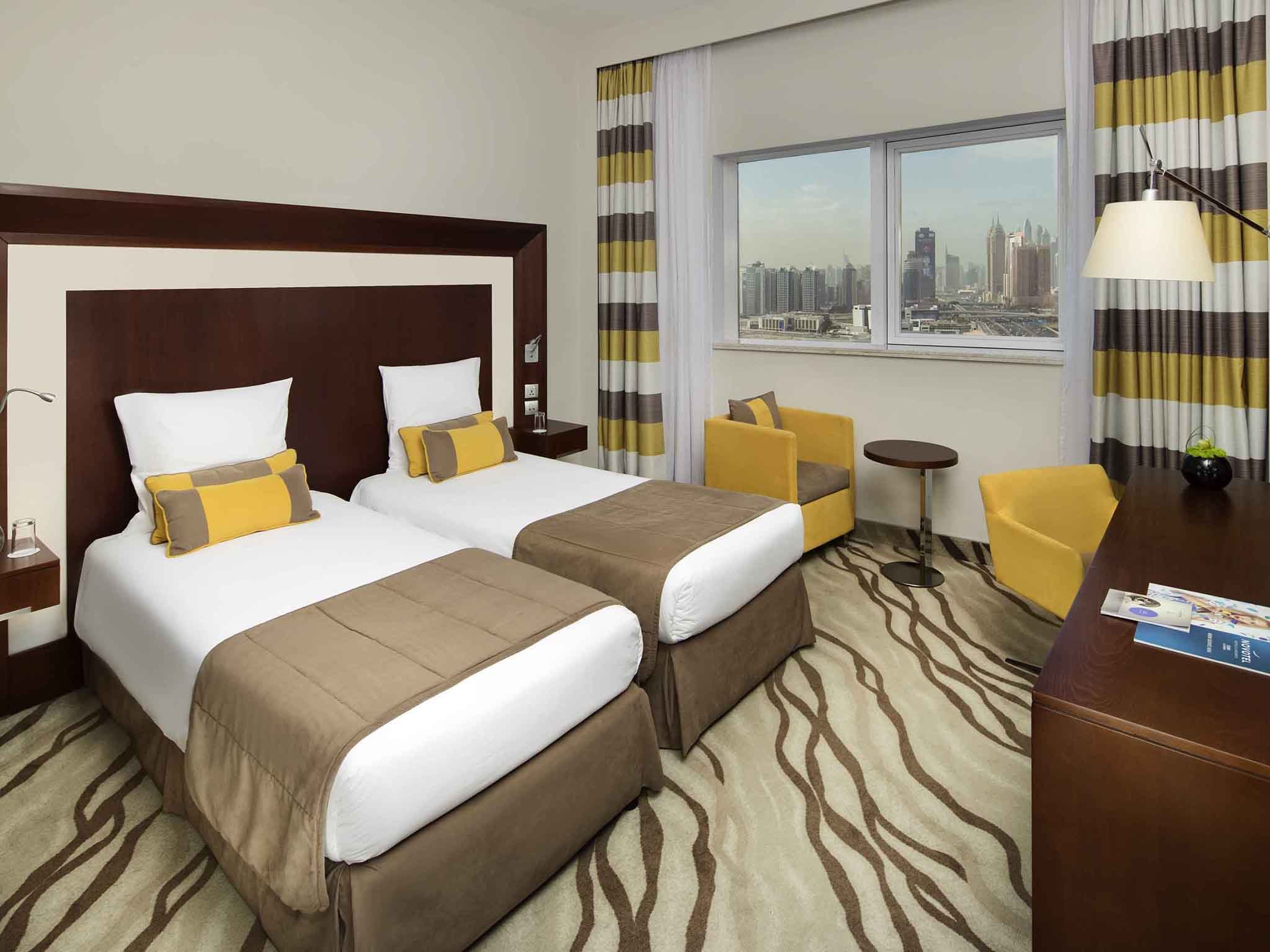 Hotels With Meeting Rooms Near Me