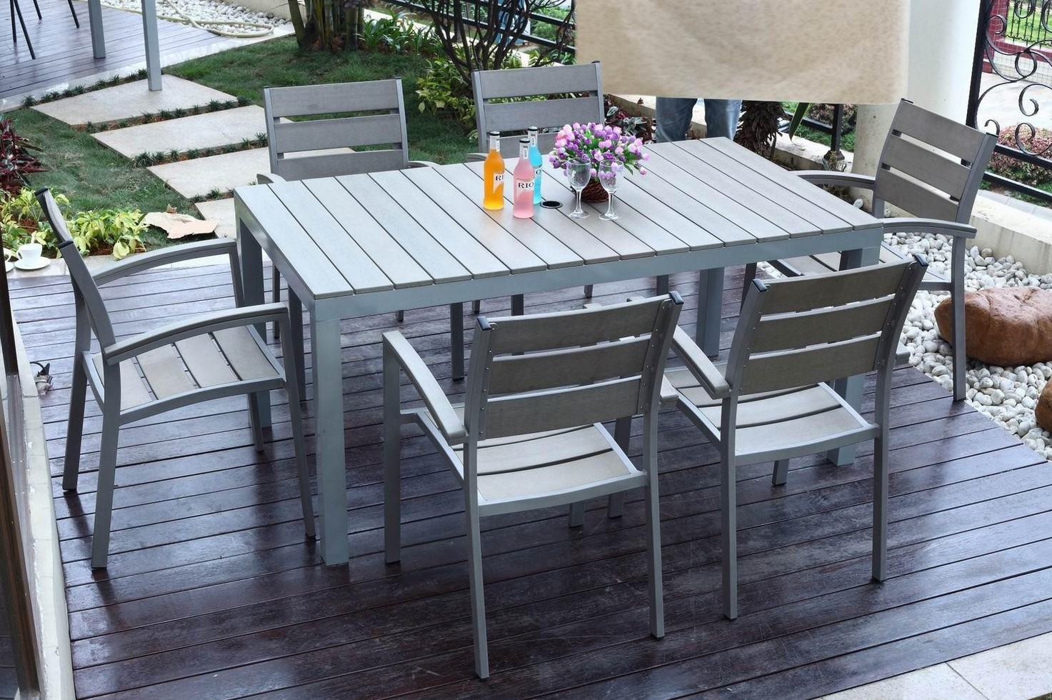 How To Protect Outdoor Wood Furniture From Elements