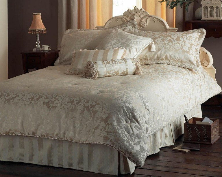 Cream Bedding Sets