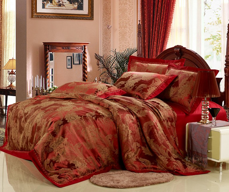 Red And Gold Bedding Sets