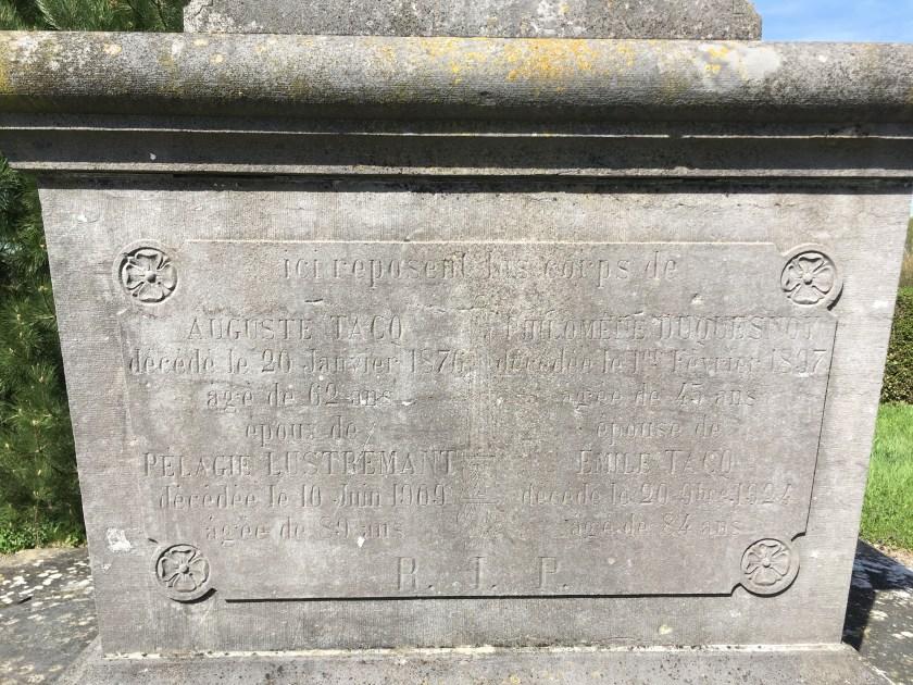Calvaire dans le cimetière
