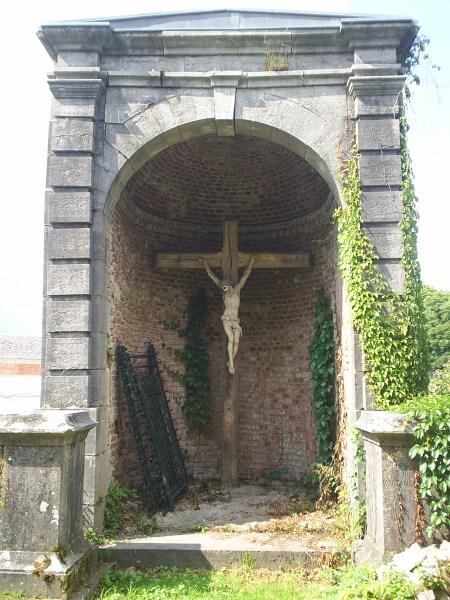 Photo du calvaire près de l'église prise par le CHGB