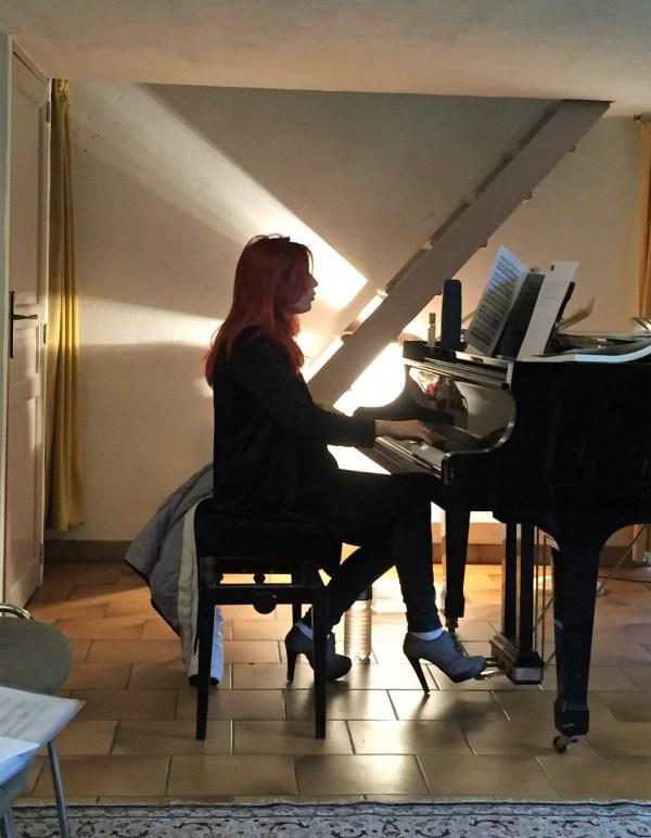 Adeline Toniutti au piano en Masterclasse