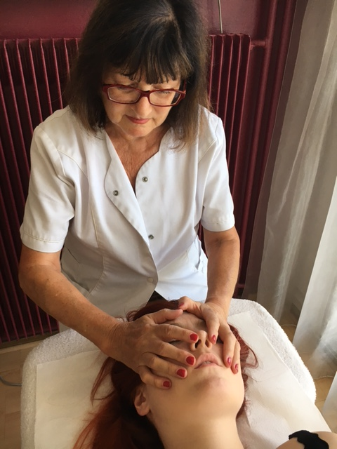Massage visage 1