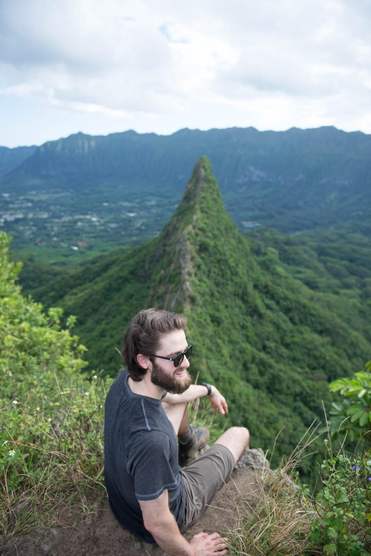 Hikes on Oahu, Hawaii: Olomana Hike - 3 Peaks #taylorgibbons